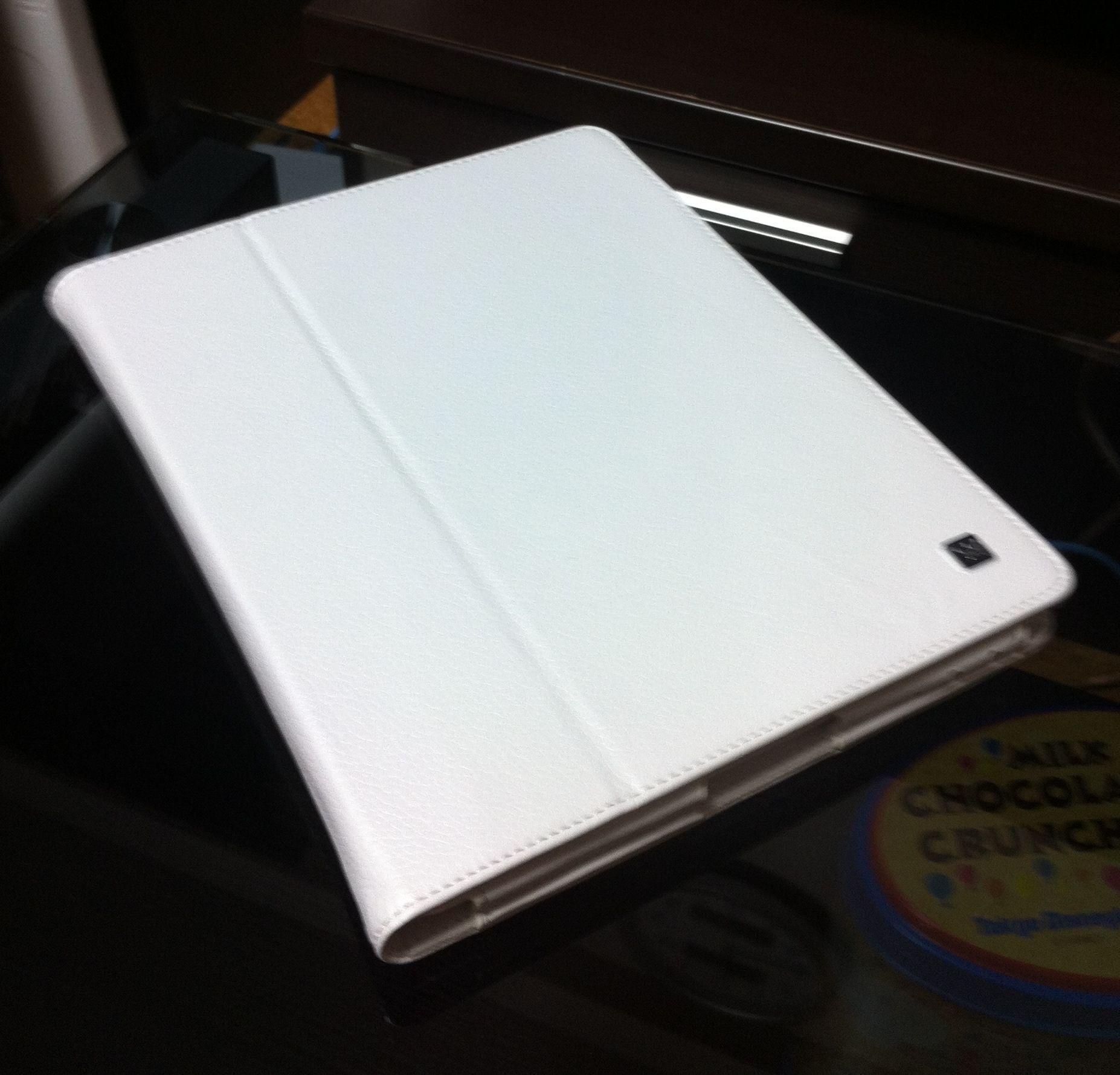 new iPad用ホワイトケース (1)