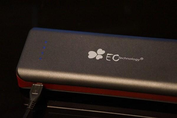 EC Technology 第三世代大容量16000mAh モバイルバッテリーの使い方