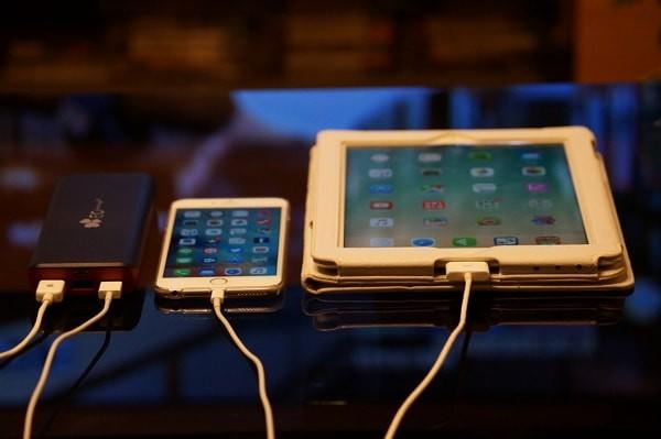 EC Technology 第三世代大容量16000mAh モバイルバッテリー使用レビュー