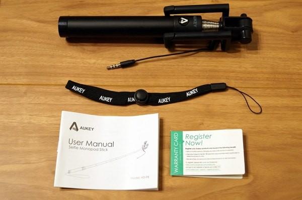 自撮り棒「Aukey HD-P8」のセット内容