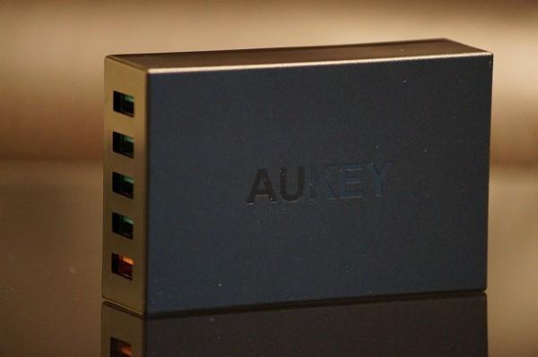 「Aukey 5ポート急速充電器 PA-T15」レビューまとめ!