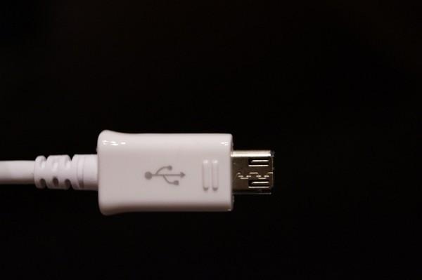 「OKITI Micro USBケーブル 1.5m 2本セット」レビュー