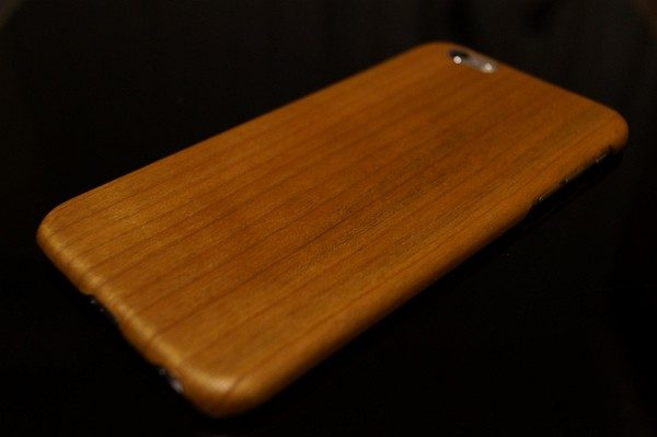 iPhone 6/6s Plus用「天然桜ウッド」ケースレビュー