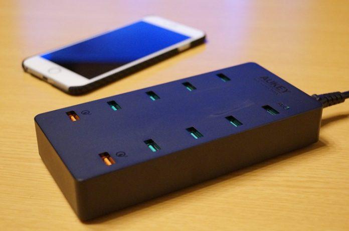 Aukey 10ポート 70W USB急速充電器 PA-T8 レビュー