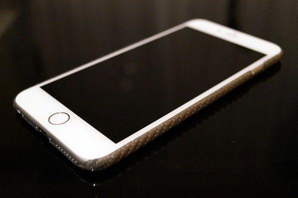 「Pitaka iPhone 6/ 6s Plus用ガラス繊維ケース」レビュー!