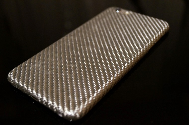Pitaka iPhone 6/ 6s Plus用ガラス繊維ケース レビュー