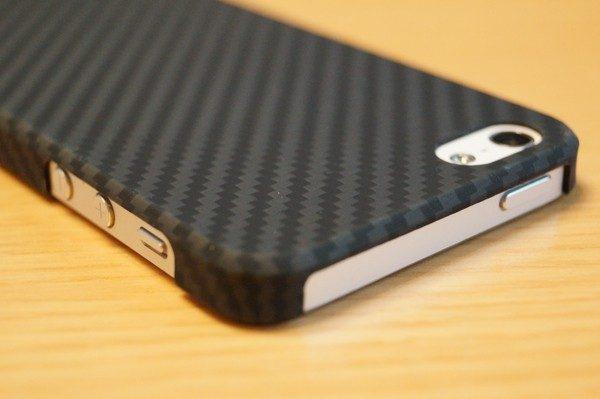 「Pitaka iPhone SE / 5s / 5 用 ケース アラミド製」レビュー
