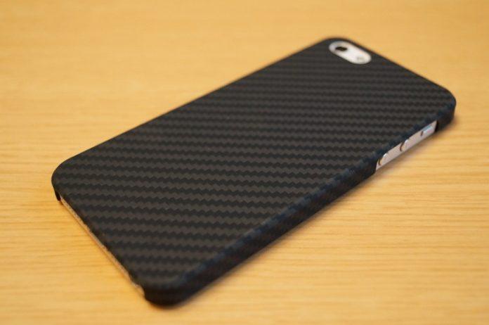 高機能アラミド製の「Pitaka iPhone SE / 5s / 5 用 ケース」レビュー
