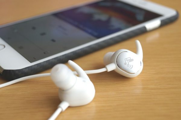 SoundPEATS Bluetooth イヤホン Q15 レビュー
