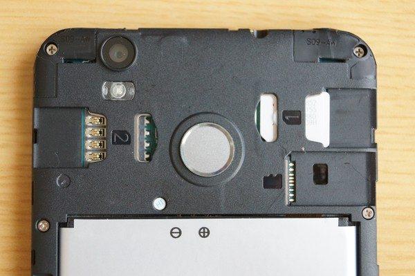 「OUKITEL U7 Plus」初期設定~SIM/SDカード挿入&絶縁テープ剥がし~