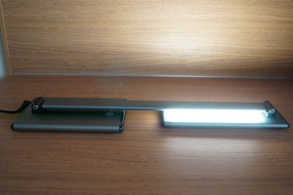 TaoTronics LED デスクライト TT-DL20 レビュー