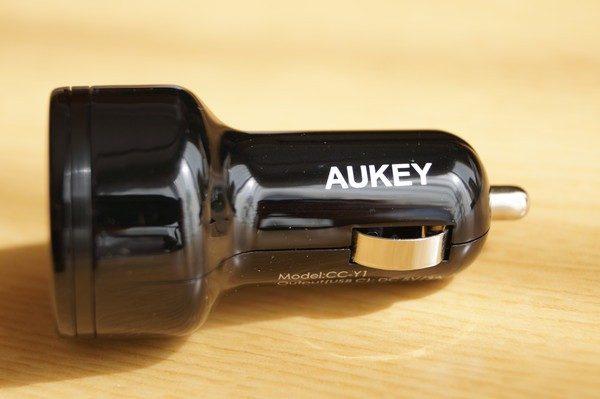 「AUKEY シガーソケットチャージャー USB-A + USB-C ポート」レビューまとめ!