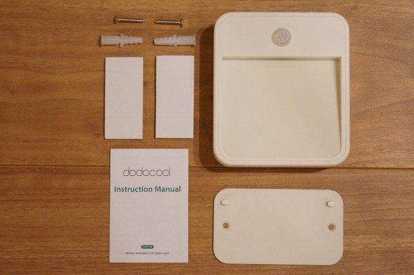 「dodocool LEDナイトライト明暗&人感センサー」のセット内容
