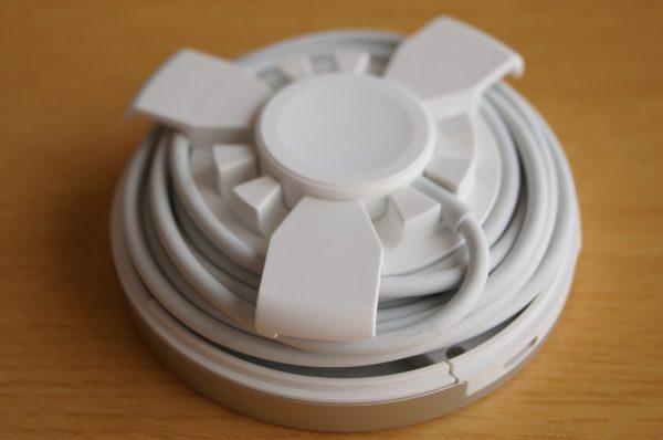 「Archeer Apple Watch スタンド/ポータブル充電器」の使い方
