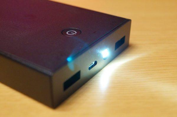 「Aukey モバイルバッテリー 16000mAh PB-N27」の使い方
