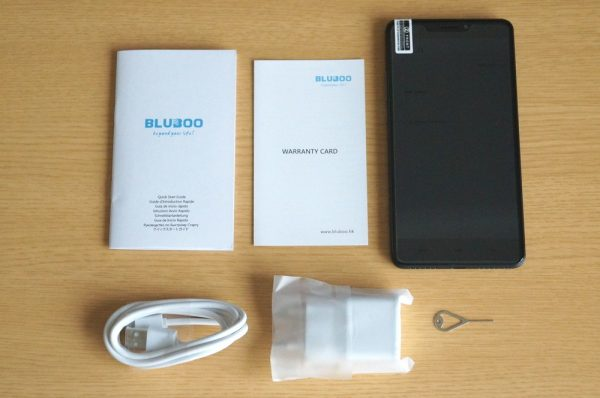 「BLUBOO Dual」のセット内容