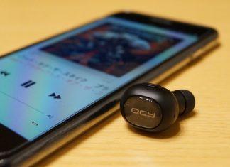 【レビュー】音質良好な片耳イヤホン!「QCY Bluetooth イヤホン Q26」はコンパクトデザインで通話も可能ですよ!