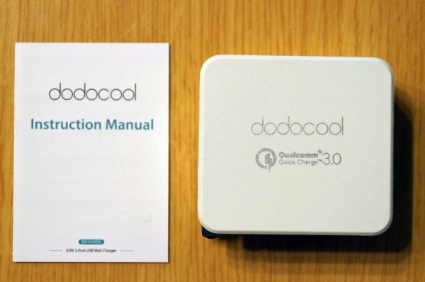 「dodocool 2ポート USB急速充電器 USB-C & QC 3.0対応 折りたたみ式プラグ」のセット内容