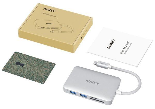 「AUKEY マルチポート USB-Cハブ CB-C59」のセット内容
