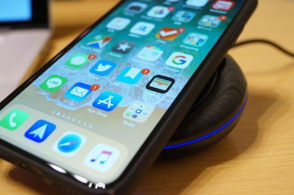 「dodocool PowerPort Qi急速ワイヤレス充電器」の使い方~iPhone Xを充電~
