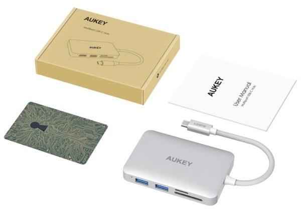 「AUKEY USB-C 7ポートハブ」商品内容