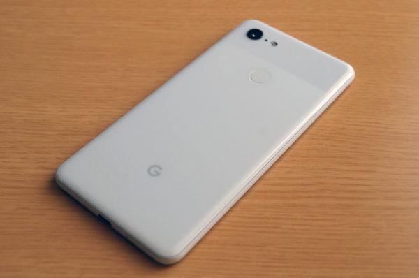 Google Pixel 3 XL本来の薄さと綺麗なホワイトを堪能したい!