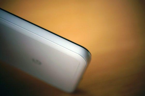 Google Pixel 3 XL:スマホケース無し運用はデメリットもあるがメリットも多い!薄さは最高!