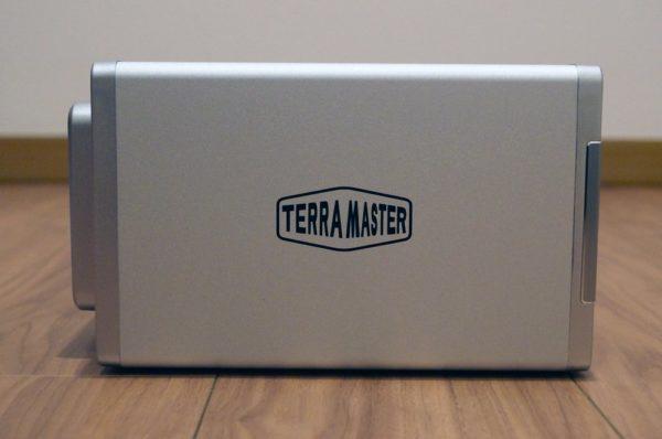 「TerraMaster F2-221」の外観レビュー