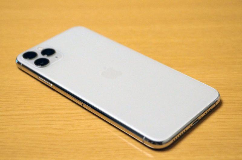 新しいiPhoneを入手したら、まずは外観チェック&SIMカードを入れ替えよう!