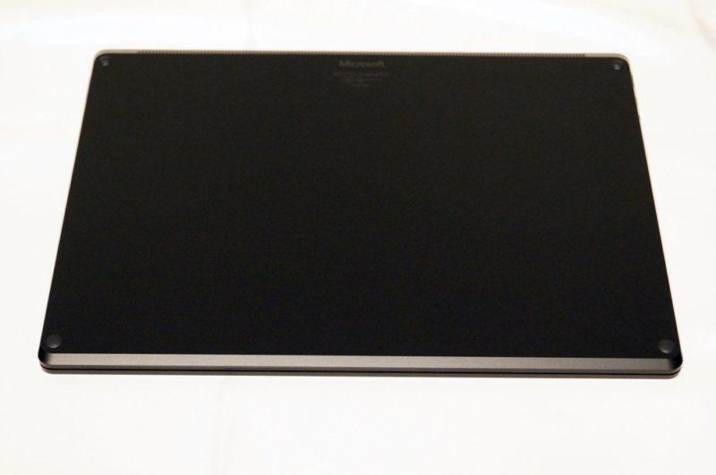 Surface Laptop 3 15インチレビュー:外観/重さ/薄さ/充電/USBポートなど