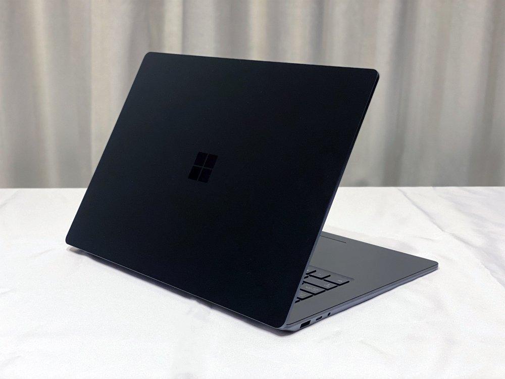 Surface Laptop 3 15インチレビュー!薄くて軽くて速い!コスパ良好で個人的に大満足!これはおすすめ!