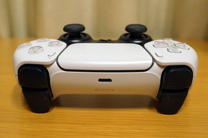PS5外観レビュー:PS4とのサイズ比較も