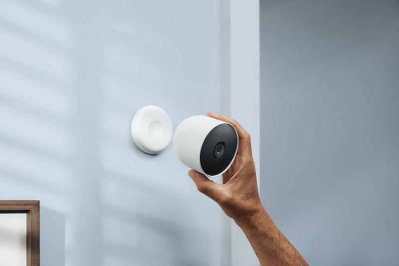 「Google Nest Cam 屋内、屋外対応 / バッテリー式」は屋外防犯カメラにおすすめ! 勿論屋内でも使用可能!