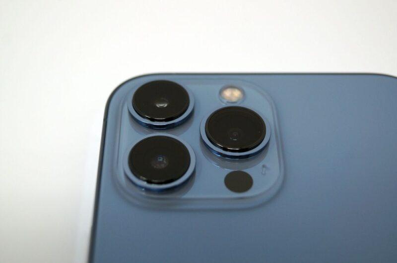 カメラ機能が大幅強化!マクロ撮影、シネマティックモード、フォトグラフスタイル、ProRes対応など