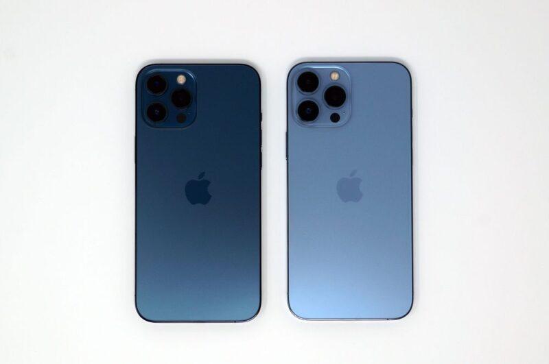 iPhone13 Pro MaxのシエラブルーとiPhone12 Pro Maxのパシフィックブルーの色味比較